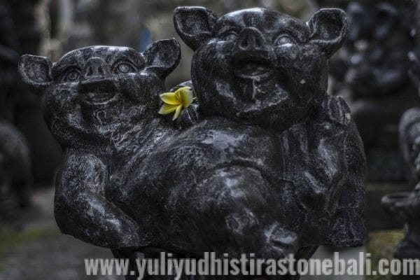 casting statue two pig