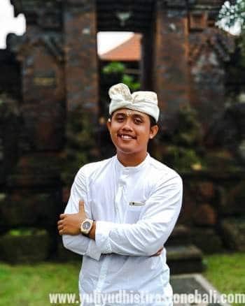 Yuli Yudhistira Stone Carving Bali